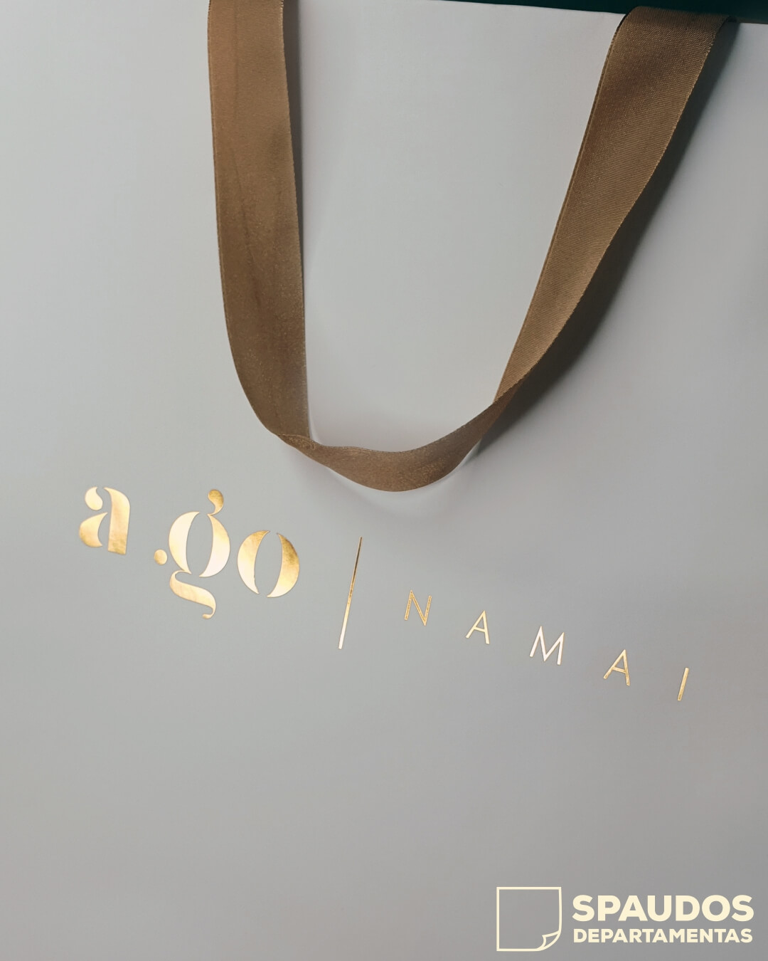 popieriniai maiseliai su aukso folija SPAUDOS DEPARTAMENTAS