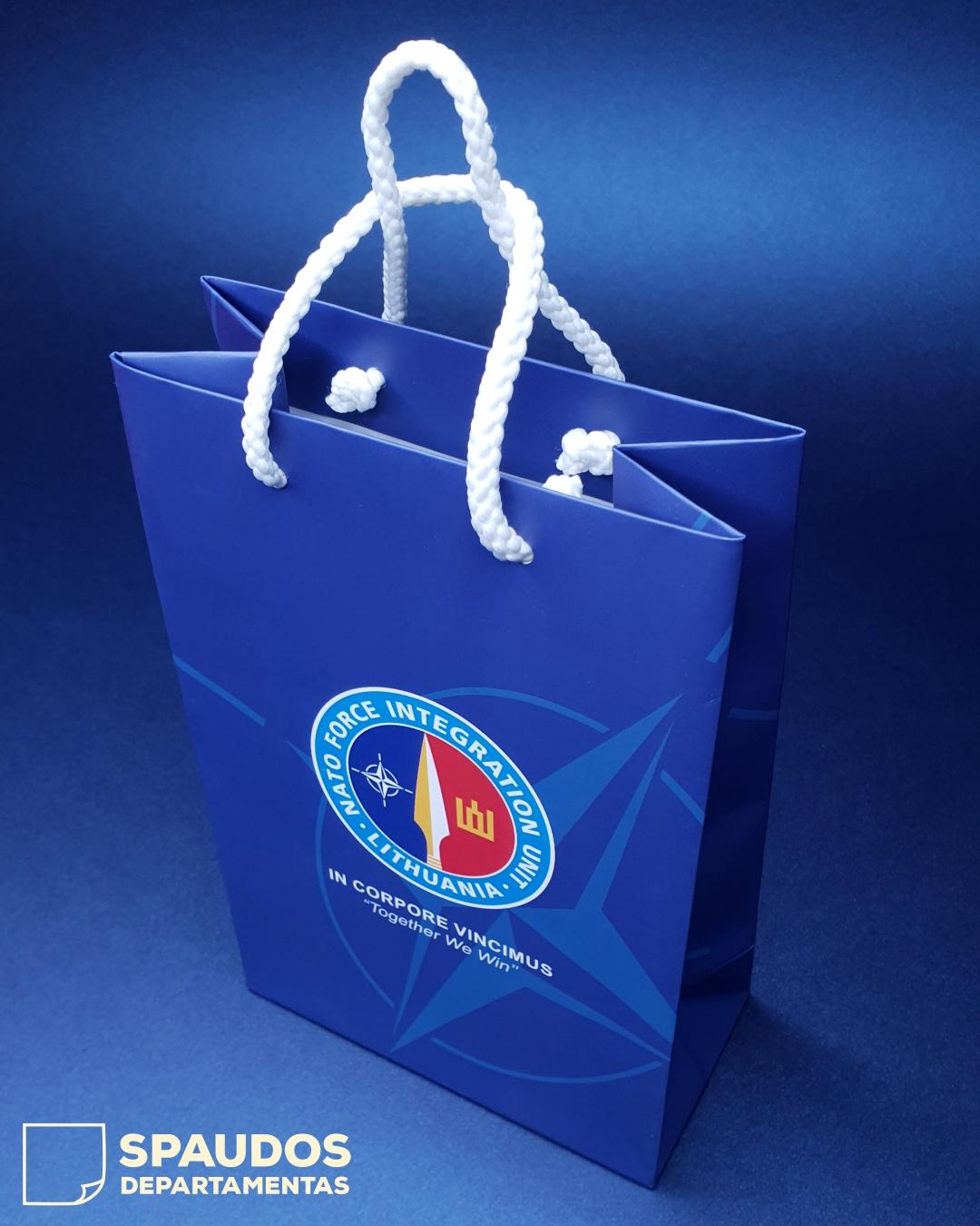 NATO popieriniai maišeliai